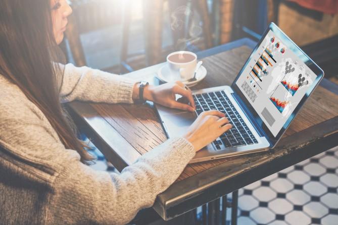 Как стать специалистом в области маркетинга и рекламы?